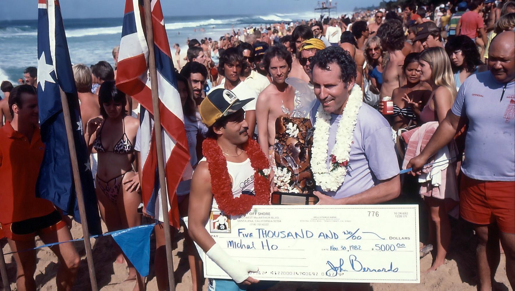 126. Michael Ho vinner Pipeline masters med bruten handled, 1982