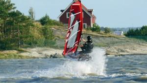 Team rider and senior partner at Wave Action Kjetil Gardshol aiming south..